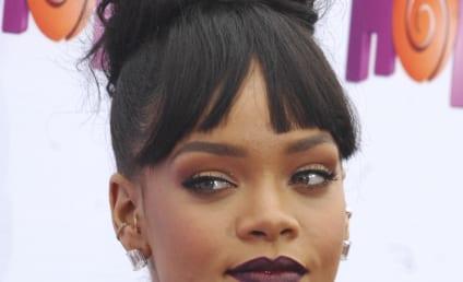 Rihanna Nude Photos: Barbados Balcony Style!
