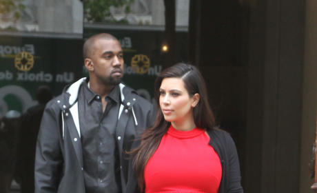 Kim Kardashian Pregnancy Fashion: Which Look is Best?