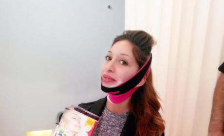 "Farrah Abraham Posts Church Selfie, Poses in ""Facelift Mask,"" Remains Awful"