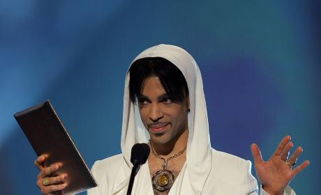 Prince Presents At The 31st Annual People's Choice Awards
