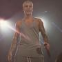 Justin Bieber: Guns Out in Concert!
