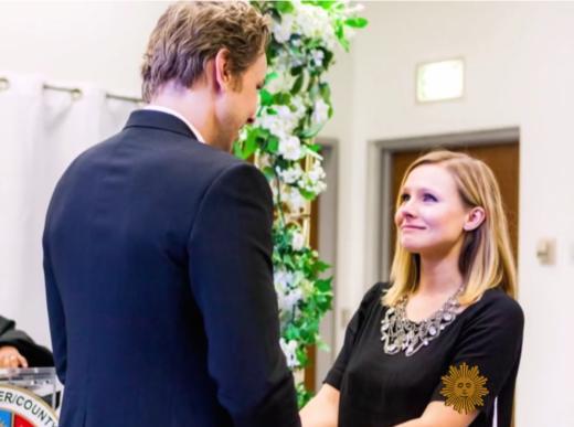 kristen bell reveals wedding dress talks dax shepard addiction the