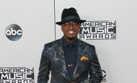 Ne-Yo at the American Music Awards