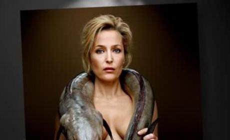 Gillian Anderson Topless With Eel
