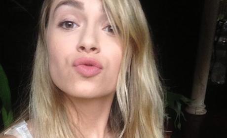 Annalu Cardoso: No Filter Selfie