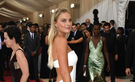 Margot Robbie: 2016 Costume Institute Gala