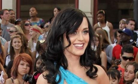 Who looked better at the MMVAs, Katy or Whitney?