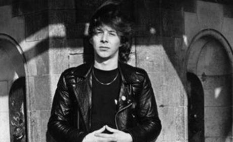 Clive Burr Dies; Iron Maiden Drummer Was 56