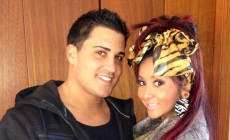Snooki Gives Birth to Baby Boy, Apocalypse Nigh!