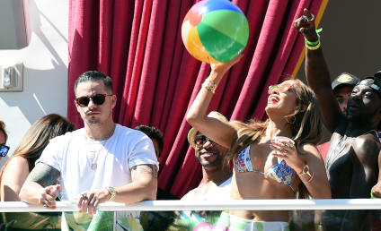Casper Smart Sends Jennifer Lopez Flowers...With Jennifer Lopez's Money