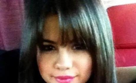 Selena Gomez: Bangin with New Hairstyle!