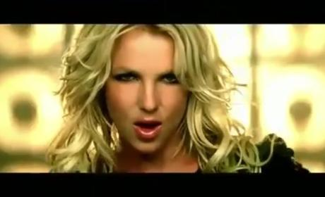 "Britney Spears: Dancing ""Till The World Ends"" in Second Version of Music Video!"