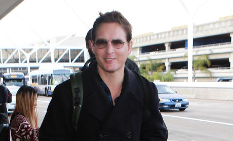 Peter Facinelli Lands at LAX