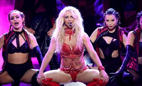 Britney Spears Performs at the Billboard Music Awards