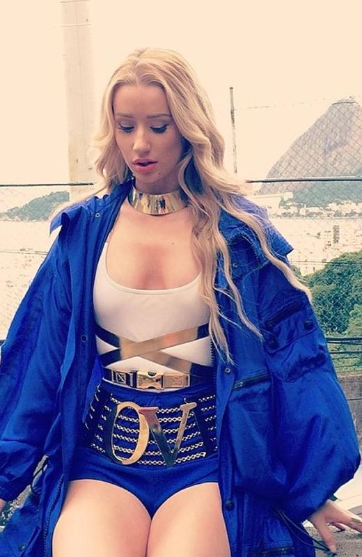 Iggy Azalea: Swimsuit for Instagram