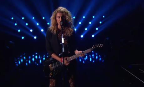 Tori Kelly Slays First-Ever Video Music Awards Performance