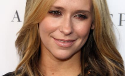 Jennifer Love Hewitt Signs on as Criminal Minds Series Regular