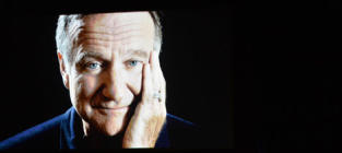 Billy Crystal Honors Robin Williams