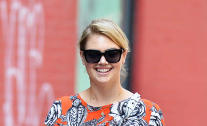 "Kate Upton ""Fat"" Photos Spark Pregnancy Rumors"