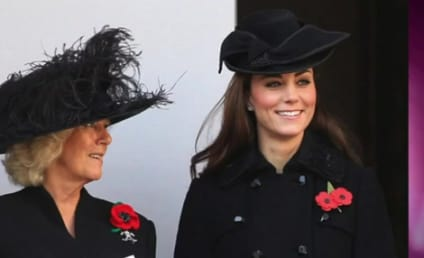 Kate Middleton Smiles, Twirls Hair at Remembrance Ceremony; Peeps Freak Out
