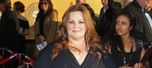 SAG Awards Fashion Face-Off: Melissa McCarthy vs. Ashlee Simpson