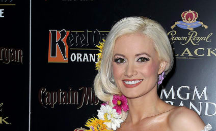 Holly Madison Approves of Karissa and Kristina Shannon