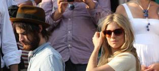 Sienna Miller: Pregnant!