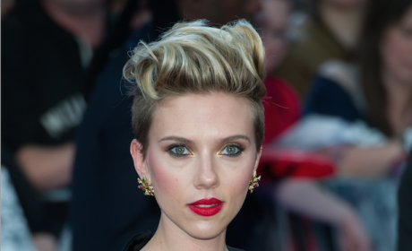 Scarlett Johansson Rocks the Red Carpet