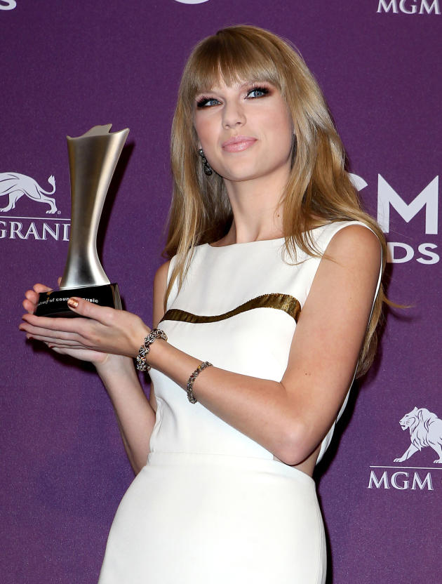 Taylor Swift at Academy of Country Music Awards