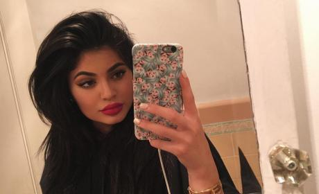 Kylie Jenner Snaps Selfie