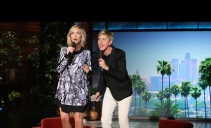 """Kristen Wiig and Ellen DeGeneres Perform Really Terrible Version of """"Let It Go"""""""