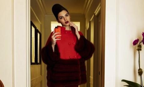 Kendall Jenner Snaps Selfie