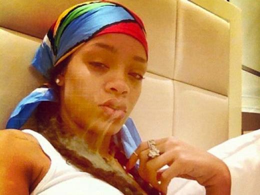 Rihanna on the Twitter