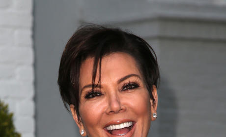 Kris Jenner Nip Slip: Exposed by Khloe Kardashian!