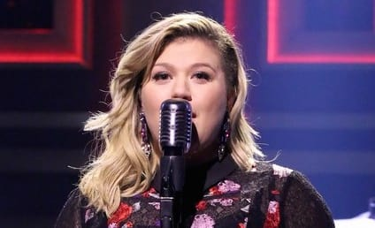 Kelly Clarkson: Totally Cool If My Daughter is Gay!