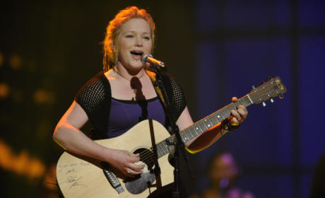 Crystal Bowersox Rocks, and Other American Idol Women Sing Well