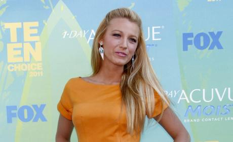 Teen Choice Awards Fashion Face-Off: Blake Lively vs. Cameron Diaz