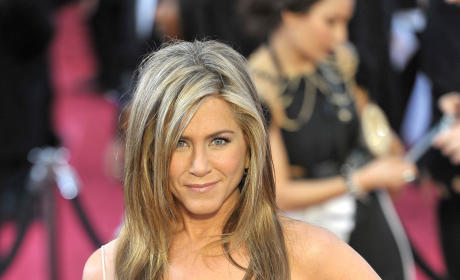 Jennifer Aniston at the 2015 Oscars