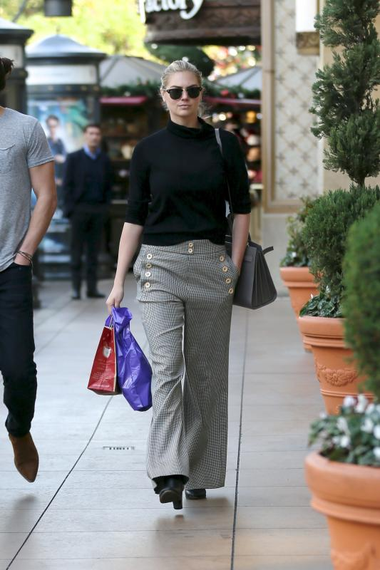 Kate upton does some holiday shopping at the grove