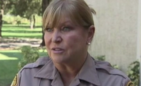 Florida Cop Buys Groceries For Woman Caught Shoplifting Food