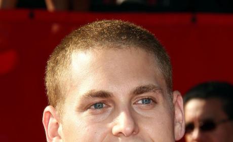 Jonah Hill Hairstyle Showdown: Bald vs. Bushy!