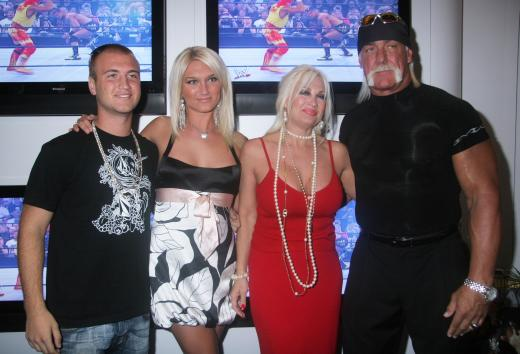 Hulk Hogan and Family 2007 Consumer Electronics Show