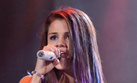 Miley Cyrus Out, Selena Gomez In for Animated Vampire Movie