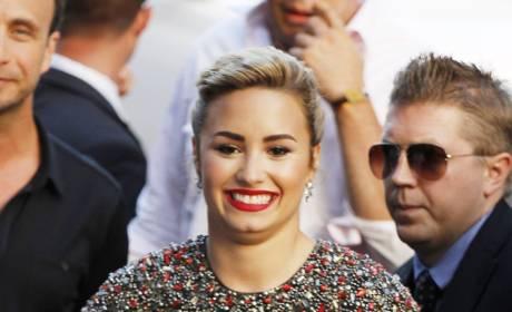 Demi Lovato, All Smiles