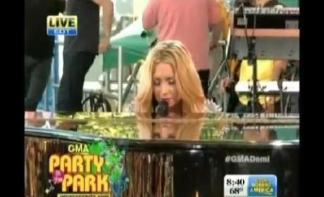 """Demi Lovato - """"Skyscraper"""" (Live on GMA)"""