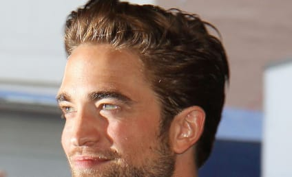 Robert Pattinson: Cozying Up to Random Blonde?
