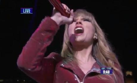Taylor Swift Rocks New York with New Year's Eve Performance