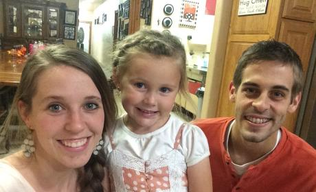 Jill Duggar & Derick Dillard: BACK in Arkansas! Zika Virus to Blame?!