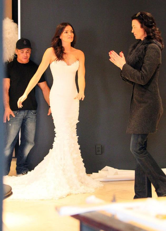 Courtney Robertson Wedding Dress Shopping