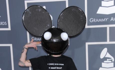 Deadmau5, Rihanna Perform at Post-Grammys Charity Concert